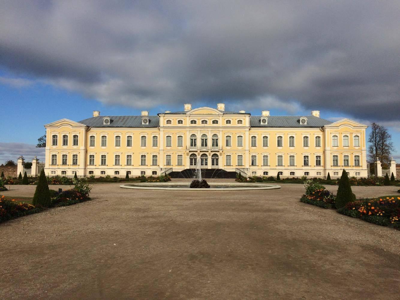 rundale palace latvia